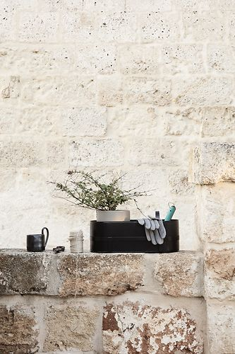 Ferm Living Bau Balcony Box musta